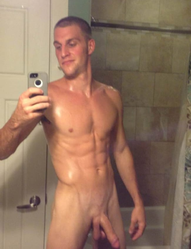 Clean and Sexy Shower Jock Selfshot - Nude Grindr Boys