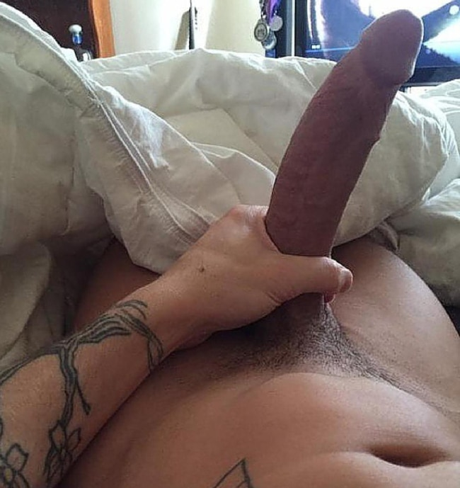Nude Man With A Very Big Hard Cock - Nude Grindr Boys
