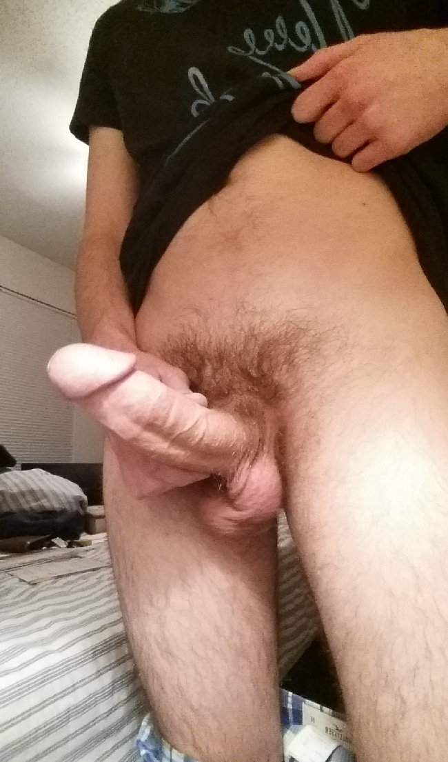 Horny Man With A Big Erected Penis - Nude Grindr Boys